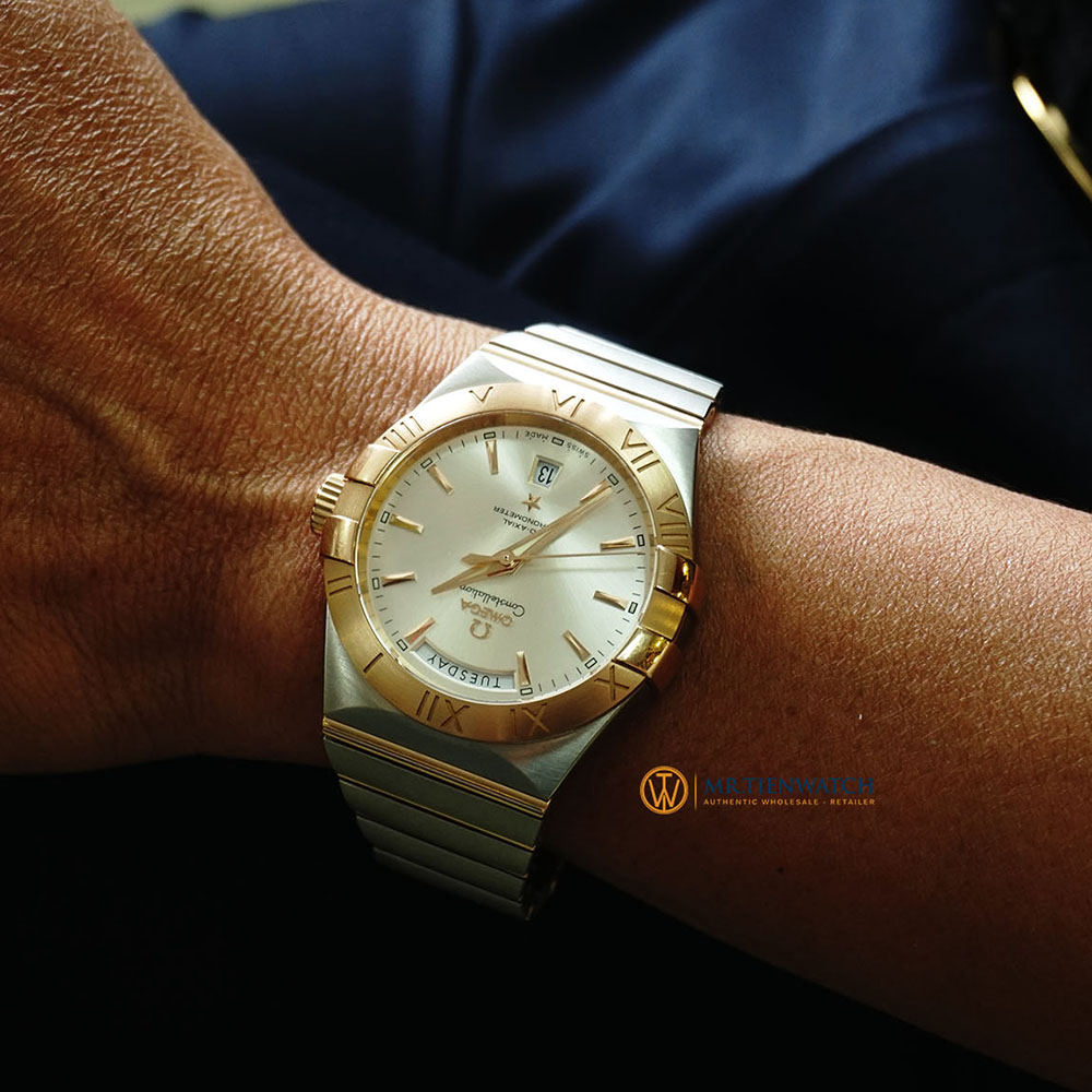 OMEGA CONSTELLATION CO-AXIAL DAY-DATE RED GOLD ON STEEL 38 MM 123.20.38.22.02.001 Vàng 18k - Thép không gỉ