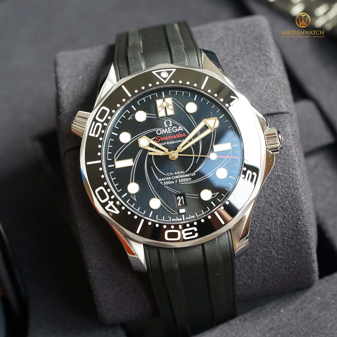 "OMEGA SEAMASTER DIVER 300M CO‑AXIAL MASTER CHRONOMETER 42 MM 210.22.42.20.01.004 ""James Bond"" Limited Edition"