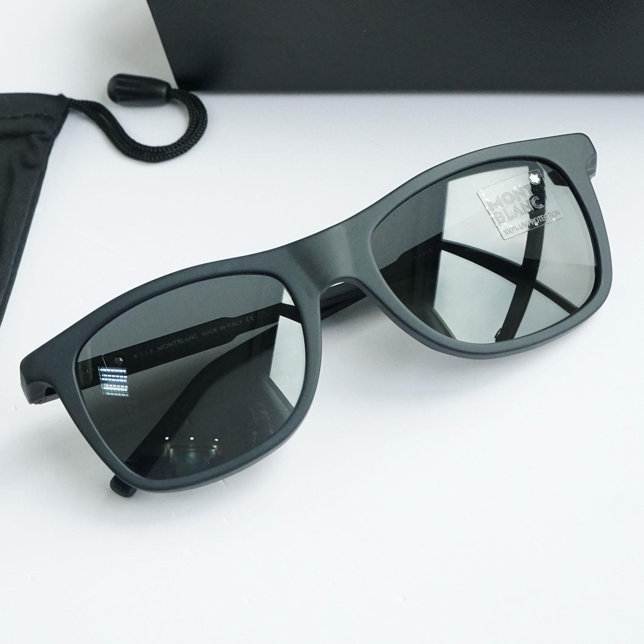 Kính râm Montblanc Rectangular Sunglasses MB647S 02A Matte Black 54mm chính hãng