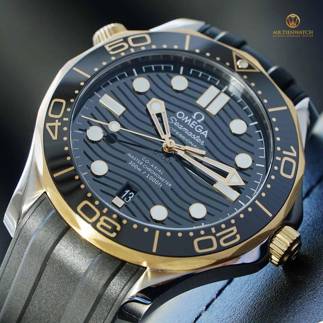 Omega SeaMaster Diver 300m Co‑Axial Master Chronometer 42 MM 210.22.42.20.01.001 niềng vàng 18K sang trọng, mặt số gốm đen